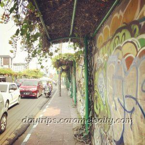 Jalan Kleringan Choked With Traffic