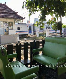 Perfect Train Spotting Seats At Loko Cafe